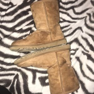 UGG Shoes - TAN UGGS
